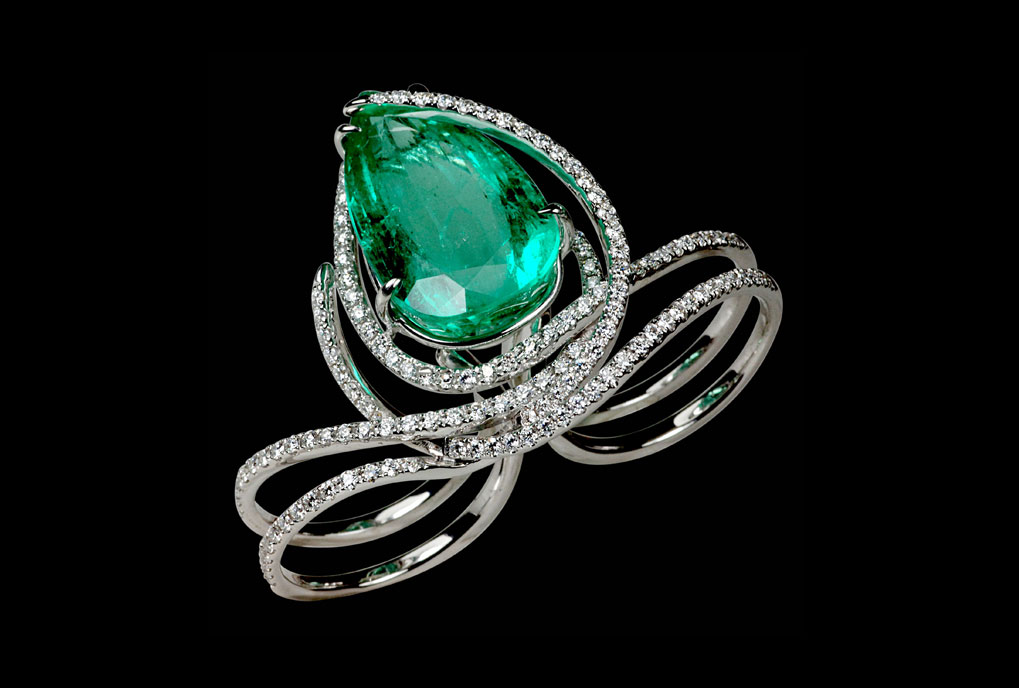 Kavant and Sharart one of a kind emerald ring