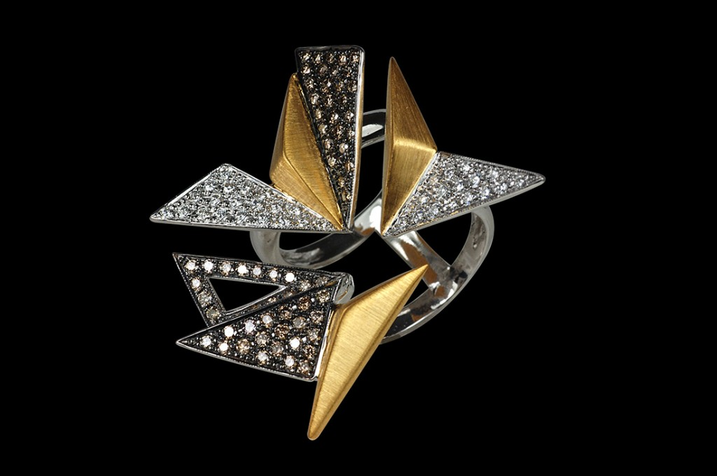 Kavant and Sharart ORIGAMI ring in white and yellow gold with diamonds