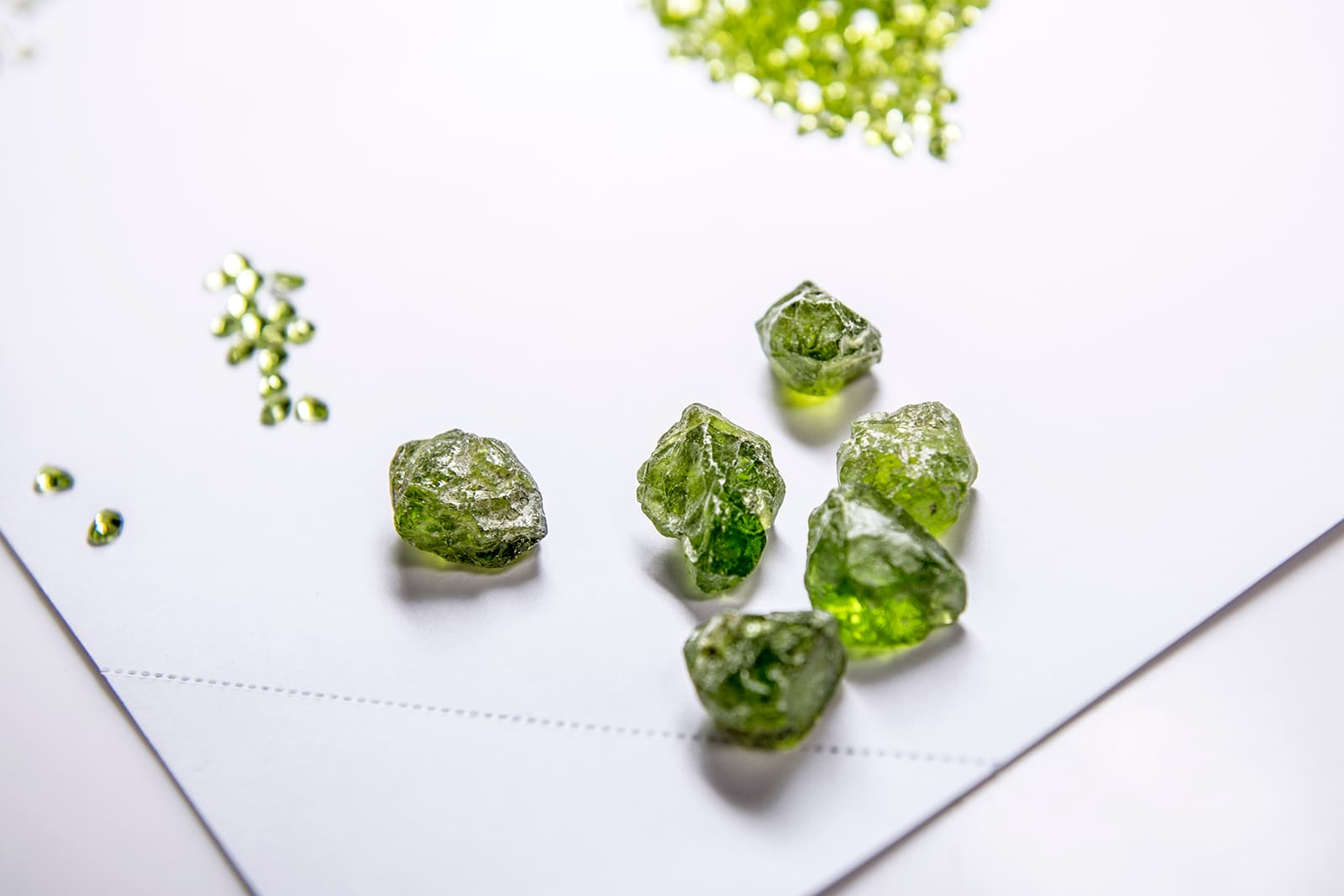 The peridots discovered at the Yiqisong Nanshan mine are universally exceptional, displaying a characteristically rich and pure grass-green colour, exceptional saturation and excellent clarity