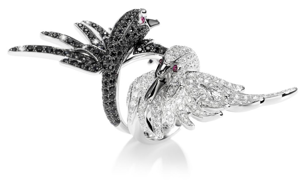 Boucheron Cypris rings in white gold paved with white and black diamonds