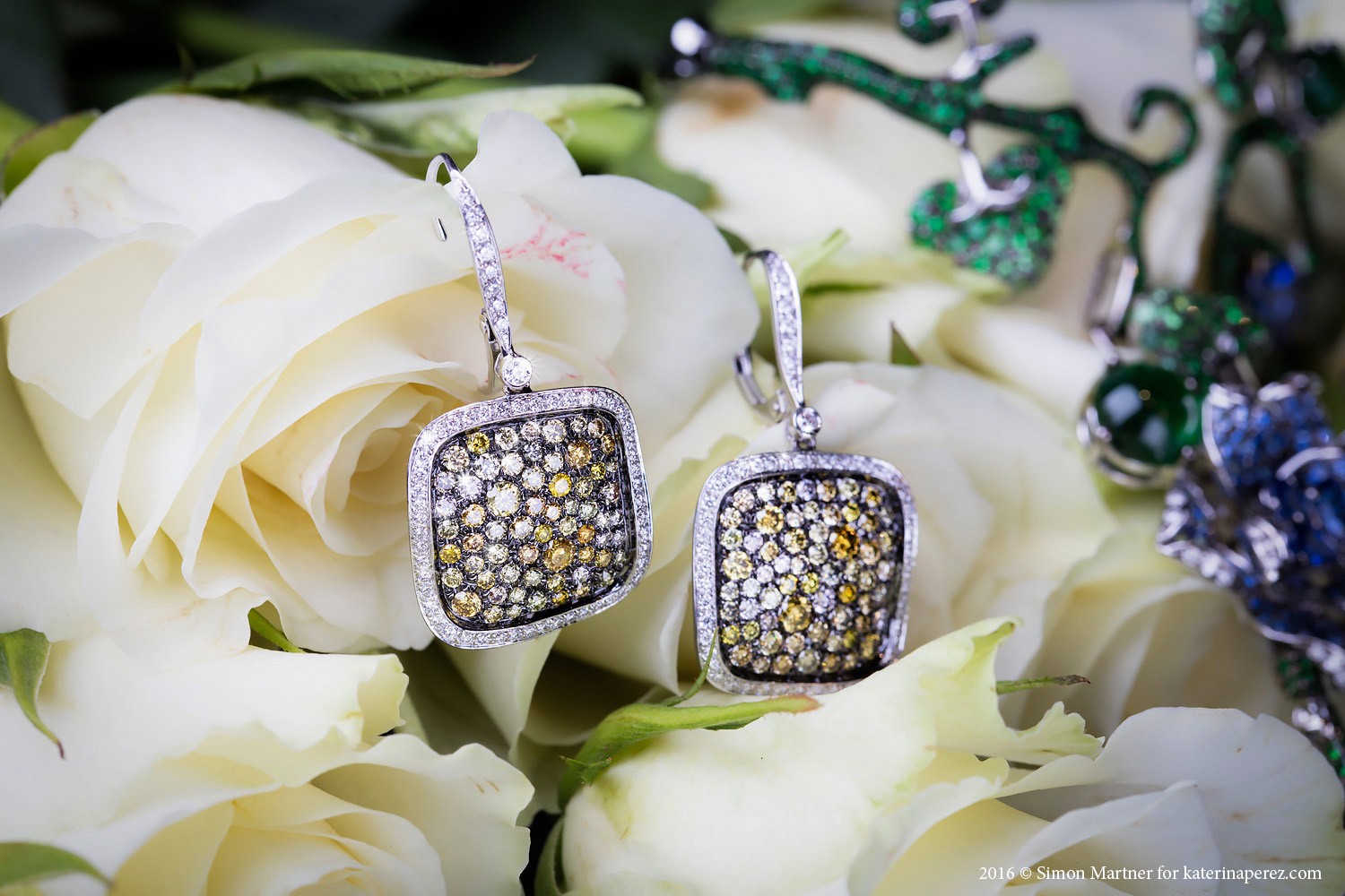 Plukka 2.45 cts diamonds and white gold earrings - £4,440