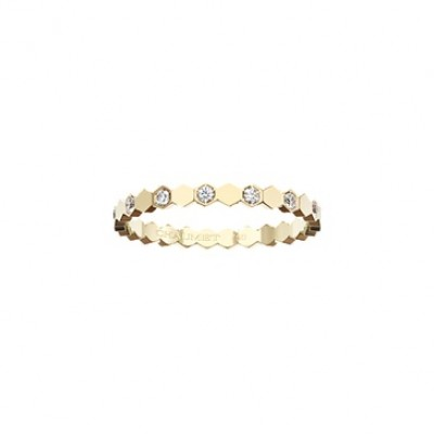 Chaumet Bee My Love band in yellow gold with alternating diamonds