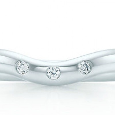 Tiffany&Co curved band with diamonds