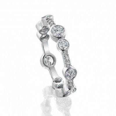 Boodles band in white gold and diamonds
