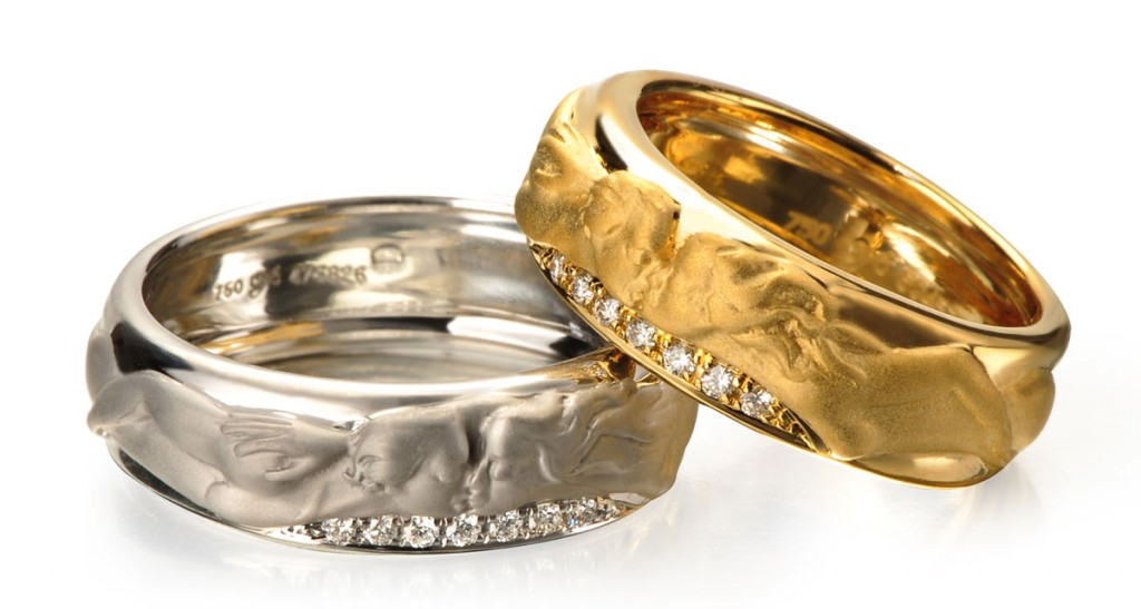 Carerra Y Carrera Promesa rings in white and yellow gold
