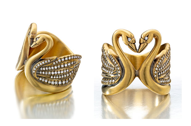 Wendy Brandes Cleves ring in brushed gold with diamonds