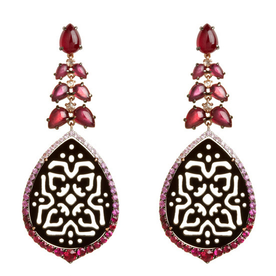Arabesque onyx earrings