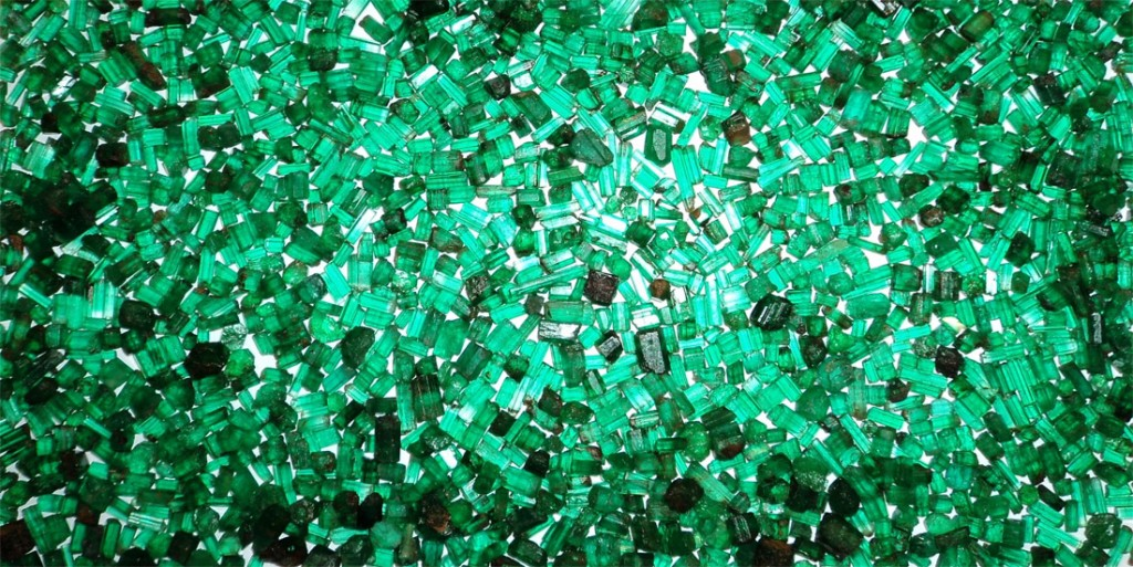 Afganistan-emeralds Photo by Barbra Voltaire from www.gemologyonline.com forum