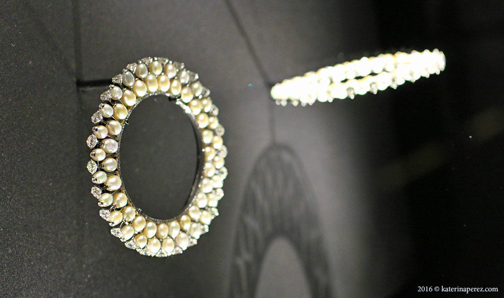Pair of bangles with diamonds and natural saltwater pearls in platinum by Viren Bhagat, Mumbai, 2012