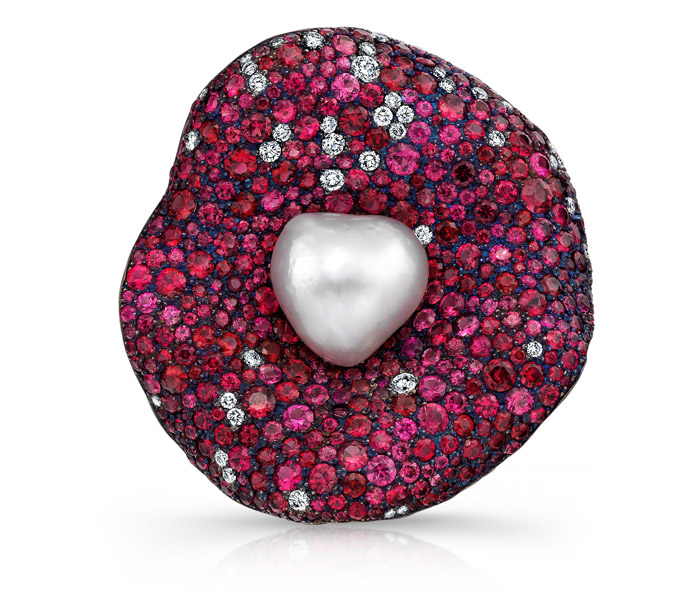 Martin Katz Brooch with a pearl, sapphires and diamonds