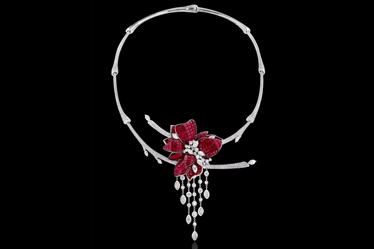 Stenzhorn Plum necklace from The Noble Ones High Jewelery collection