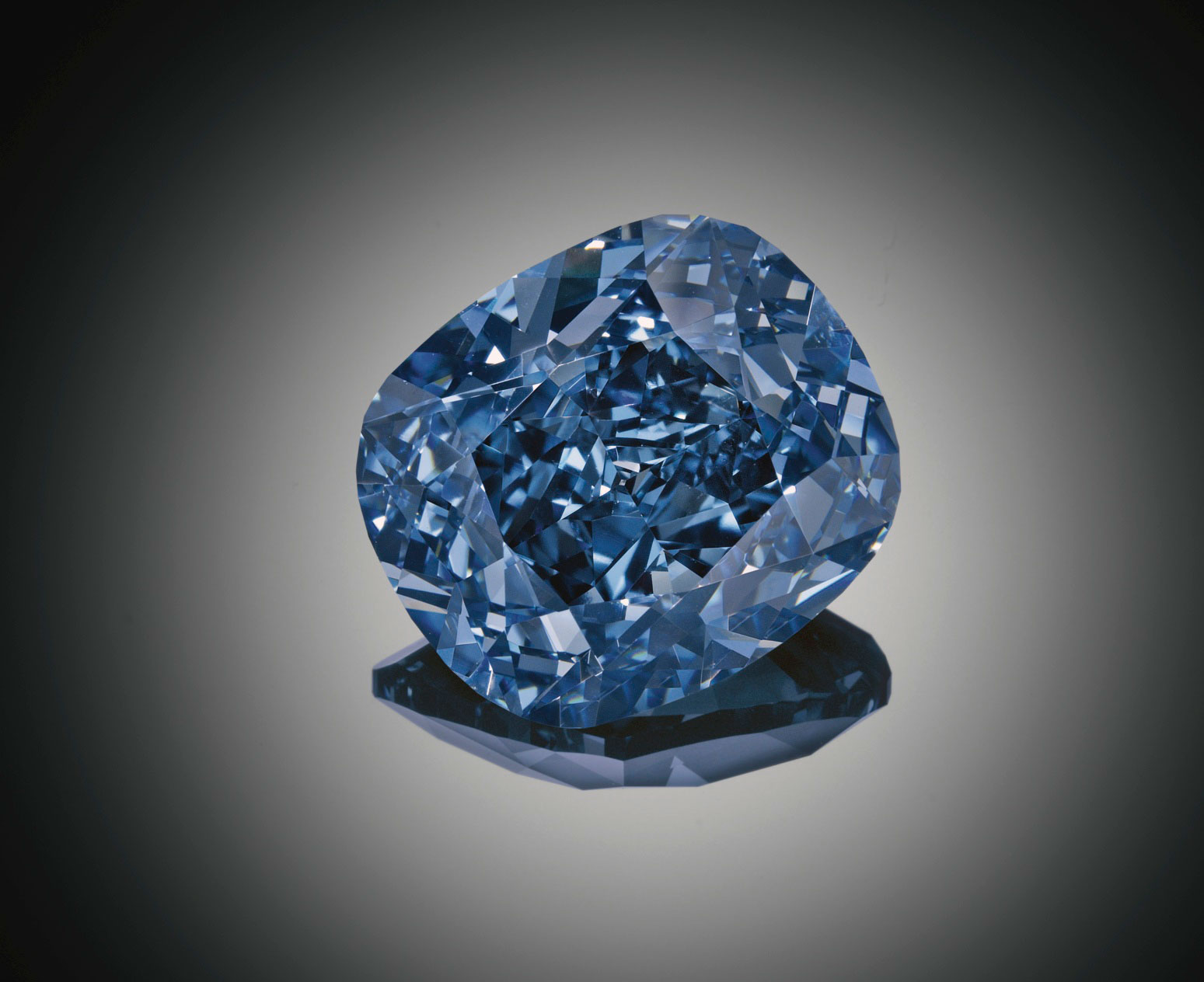 The 12.03 cts Blue Moon diamond