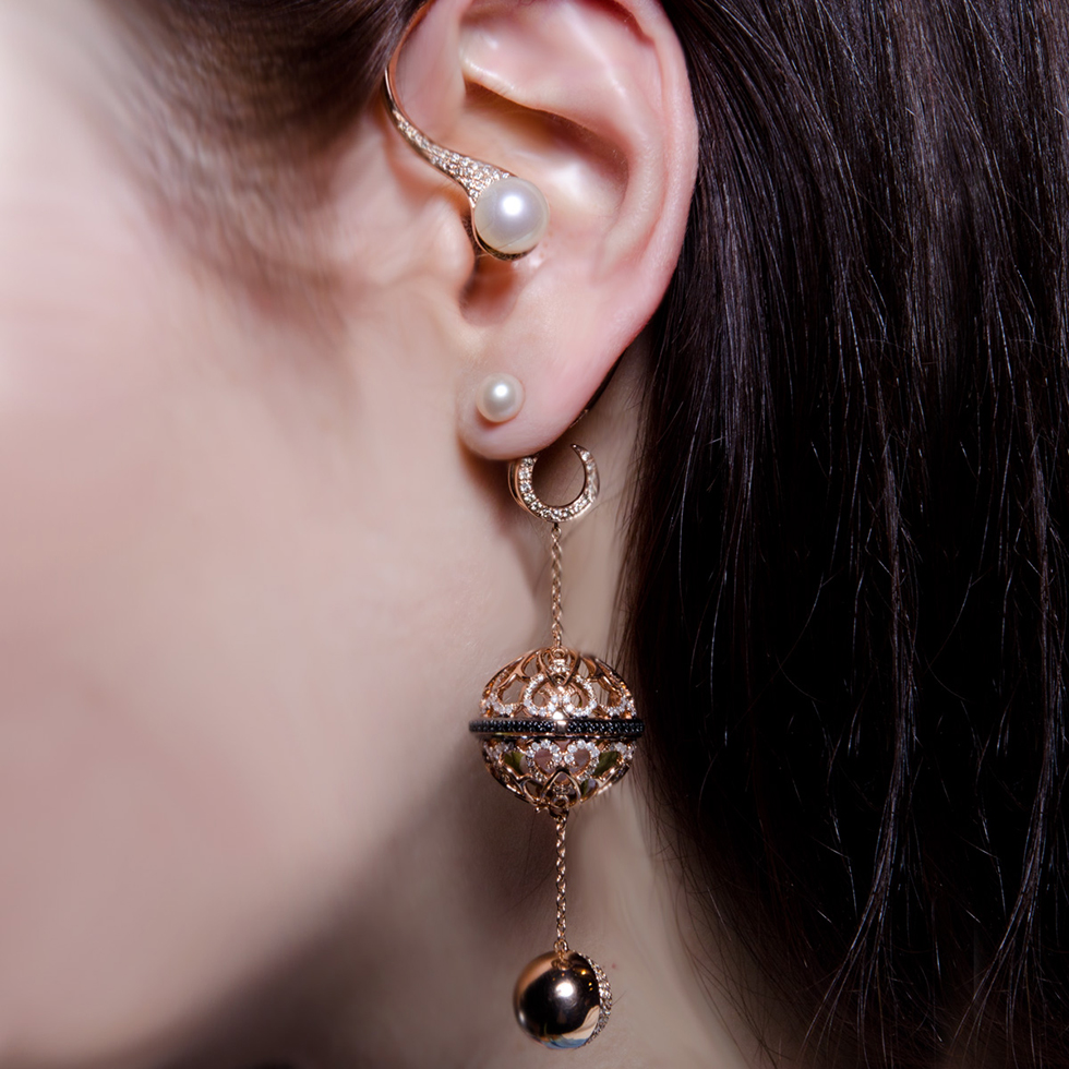 Dionea Orcini Il Profumo ear cuff in rose gold with pearls, black and white diamonds