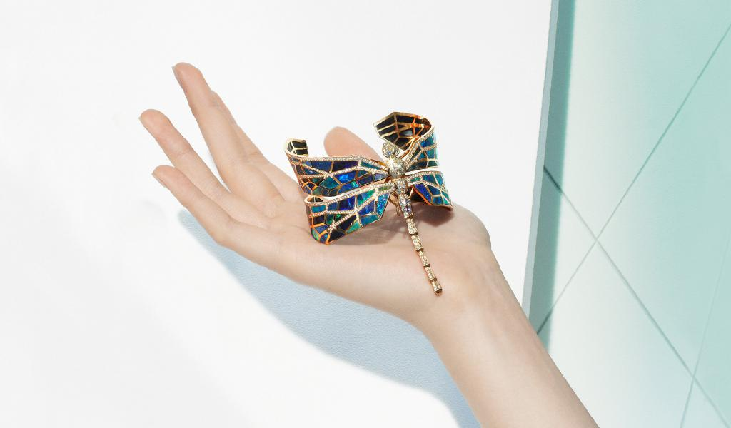 Libellule Opale Cuff by NUUN in rose gold with diamonds totalling 5,10 cts and opal totalling 120 cts
