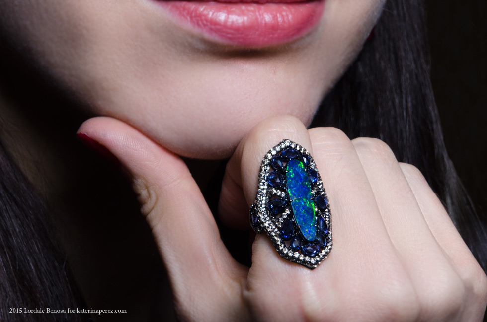 Sutra ring with opal, sapphires and diamonds