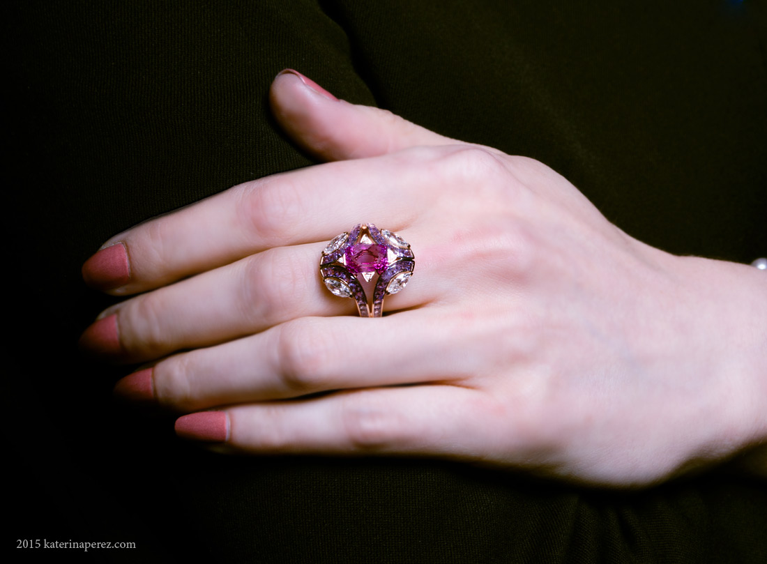 Gamma Creations art-deco ring with natural purple unheated sapphire from Madagascar and diamonds