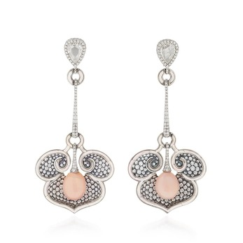 Earrings with conch pearls, pearls and diamonds