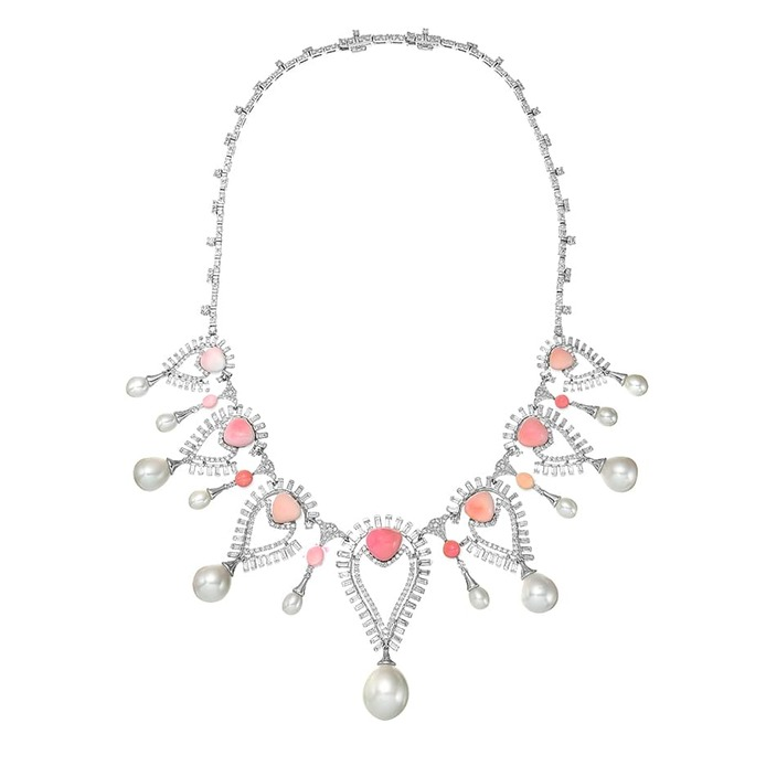 'Persica' necklace with conch pearls, pearls and diamonds in 18k white gold