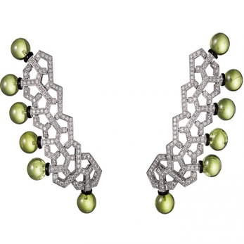 Earrings with peridot, diamonds and lacquer in white gold