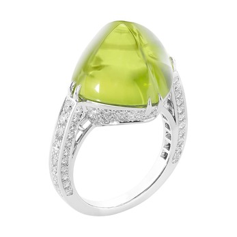 'Joy' ring with peridot and diamonds in white gold