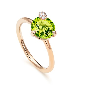 'Peekaboo' collection ring with peridot and diamonds in rose gold