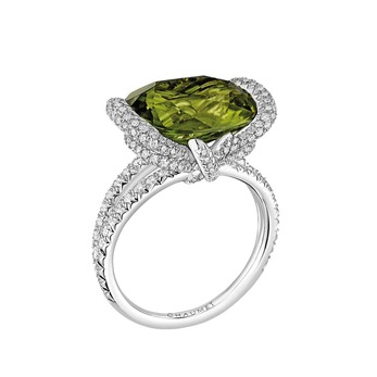 'Liens d'Amour' ring with peridot and diamonds in white gold