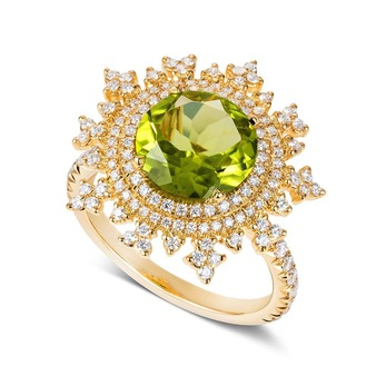 'Tsarina' ring with peridot and diamonds in yellow gold