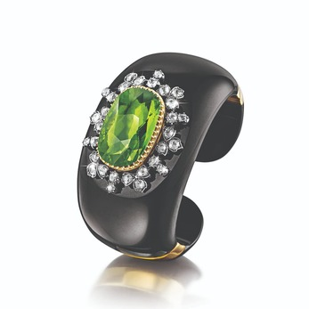 'No.91' cuff with peridot, diamond and onyx in white and yellow gold
