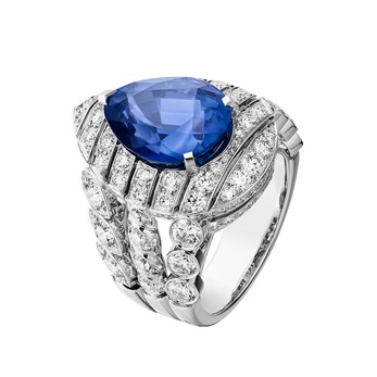 Stripes ring with sapphire and diamonds