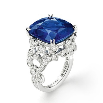 Soir de Fete ring with sapphire and diamonds