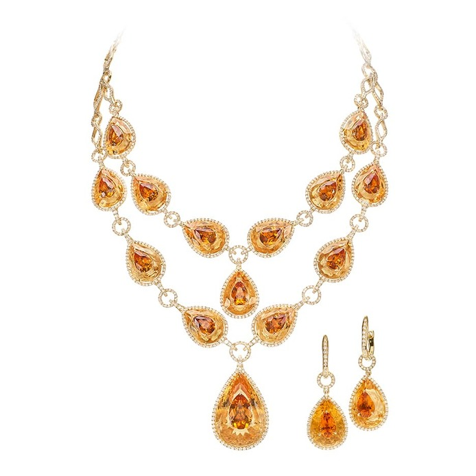 Jewellery suite with citrine and diamonds in yellow gold