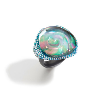 Rosa ring in titanium, diamonds, grey mother of pearl and rock crystal