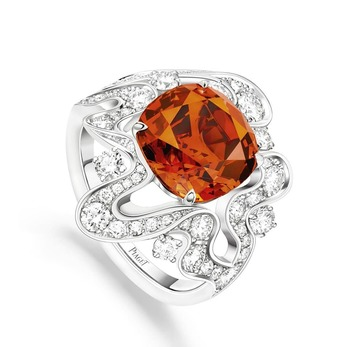 Golden Oasis collection Irresistible Attraction ring with spessartite garnet and diamonds in white gold