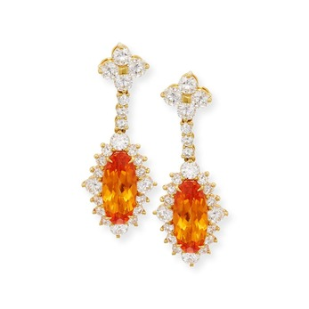 Earrings with mandarin garnet and diamonds in yellow gold
