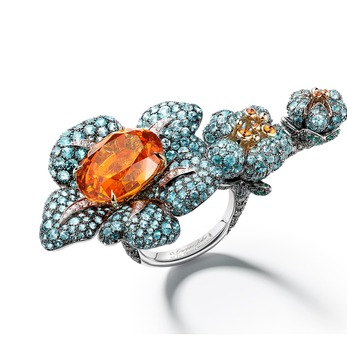 Primavera Flower ring with 13.66ct mandarin garnet, Paraiba tourmalines, emeralds, cognac and colourless diamonds in white and yellow gold