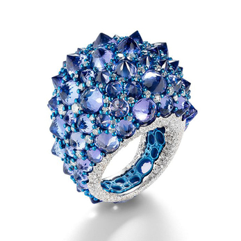 Rêve_r ring with sapphires and diamonds in white gold