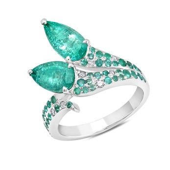 Ring with emeralds and diamonds in white gold