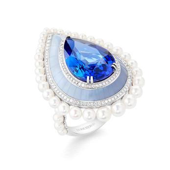 Boucheron L'Hiver Impérial Dome Graphique ring in white gold with a 12.41-carat pear-cut tanzanite, carved blue chalcedony, Akoya cultured pearls and pavé diamonds