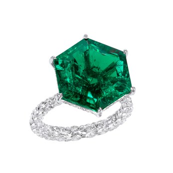 Boghossian emerald ring from the Merveilles collection featuring a Colombian hexagon emerald of 14.88 carats and diamonds