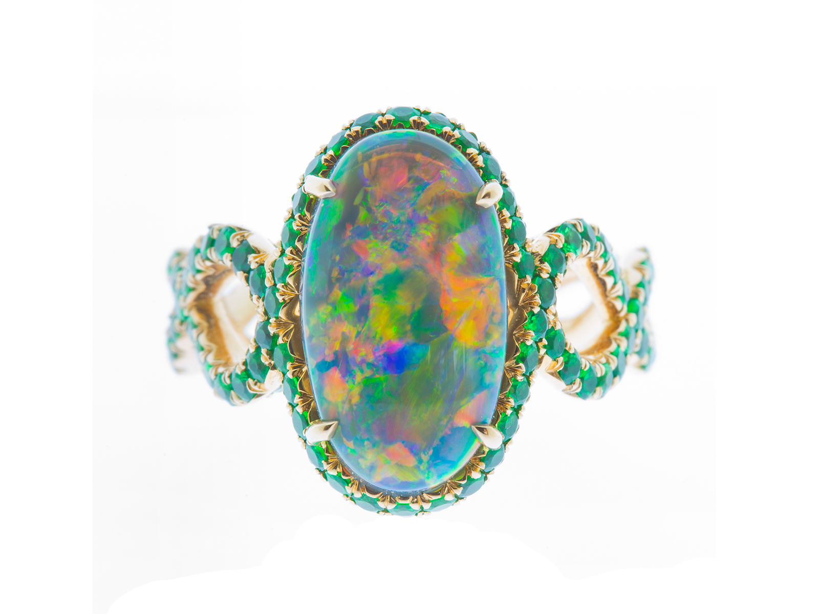 Statement Gemstones Enchanting Beauty Inside And Out