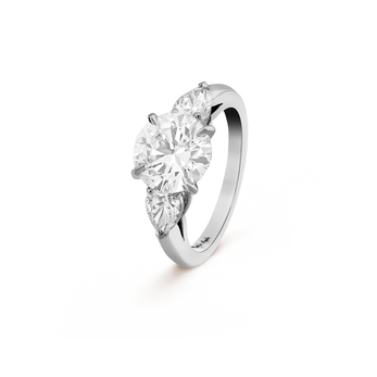 Van Cleef and Arpels 'Motifs Petales', 2.52 ct diamond trilogy ring  in platinum setting