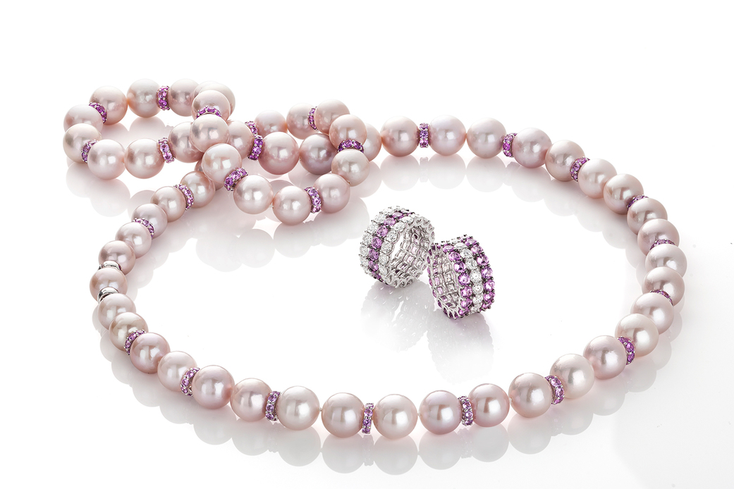 Roberto Coin necklace with pearls, 'Cento' cut pink sapphires and 18k white gold, and rings with 'Cento' cut diamonds and pink sapphires in 18k white and black gold
