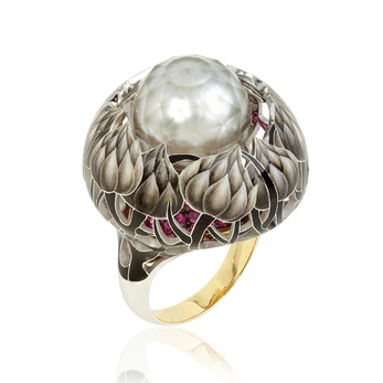 'Burdock' ring with faceted pearl, enamel and rubies in 18k yellow gold
