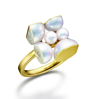'Segment' ring in freshwater pearls and 18k yellow gold