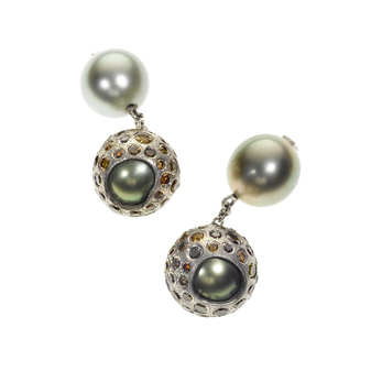 Cufflinks with Tahitian pearl and coloured diamonds