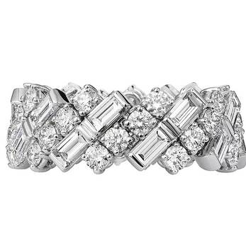 'Creative Wedding Band' ring with baguette cut and brilliant cut diamonds