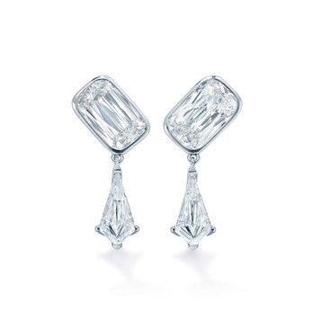 'Pas de Deux' earrings with 3.15ct ASHOKA® cut and kite cut diamonds in platinum
