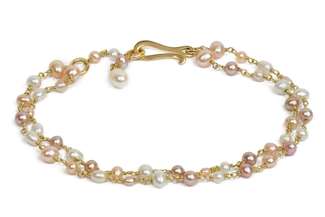 Bracelet with freshwater pearl and seed pearl in 18k yellow gold