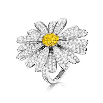 'Daisy Love' ring with colourless and fancy yellow diamonds in 18k white gold