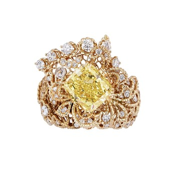 'Dentelle Guipure' ring from the 'Dior Dior Dior' collection with yellow diamond and diamonds in 18k yellow and pink gold
